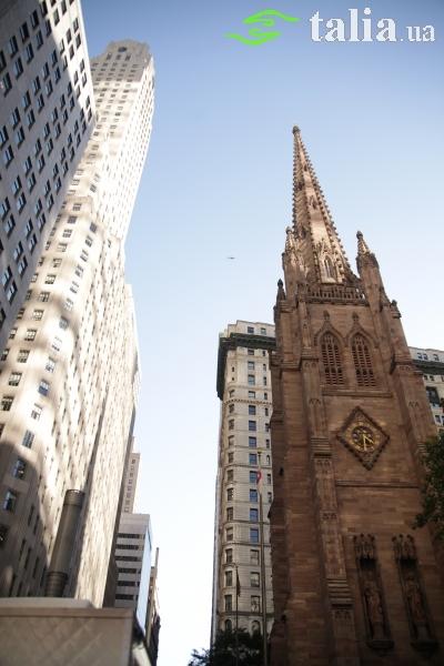 Церковь Святой Троицы (Trinity Church), Уолл-Стрит, Манхэттен, Нью-Йорк