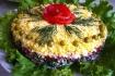 Рецепт. Слоеный салат с курицей, грибами и помидорами