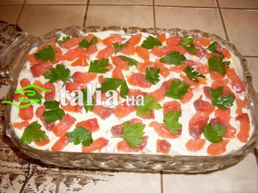 Рецепт. Салат ''Морская лагуна'' с малосольной рыбой