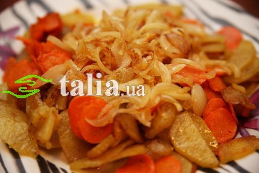 Рецепт. Жареная картошка с луком и морковкой