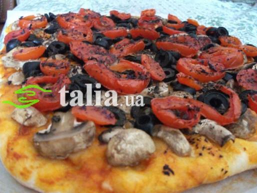 Рецепт. Пицца постная с грибами и маслинами