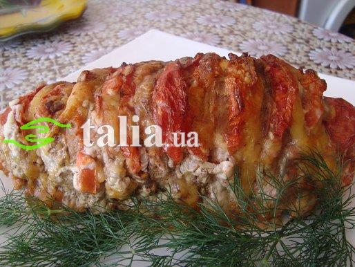Рецепт. Телятина запеченная с помидорами и сыром