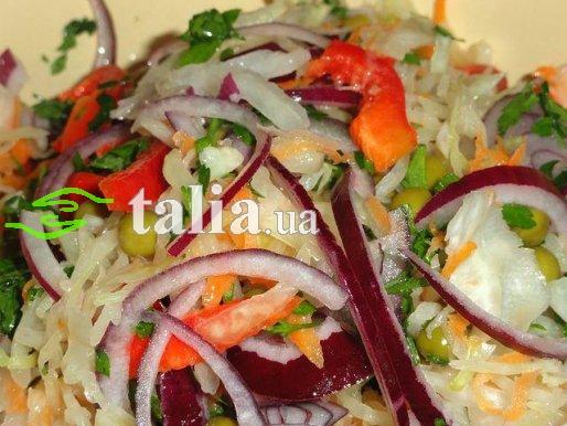 Рецепт. Овощной салат из квашеной капусты
