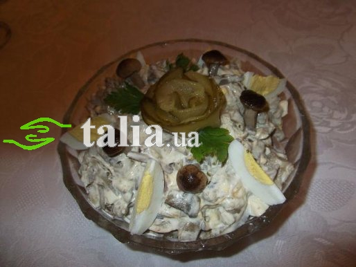 Рецепт. Печеночный салат с грибами (салат из печени)