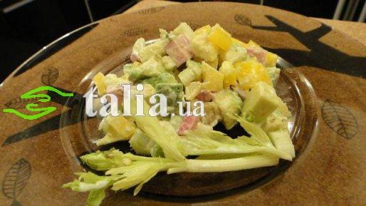 Рецепт. Салат с авокадо из сельдерея