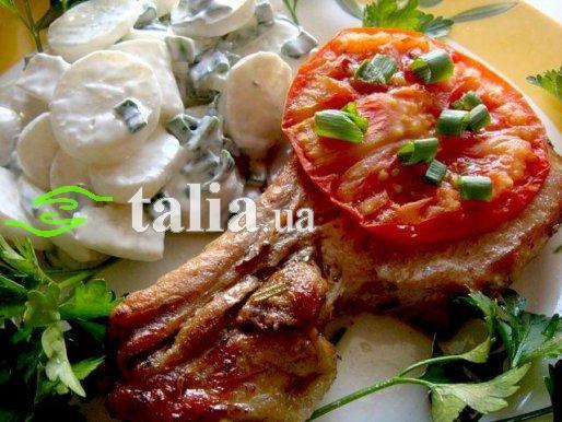 Рецепт. Стейк из свинины запеченный с помидором