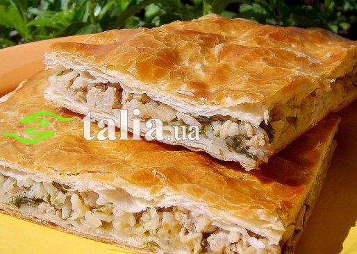 Пирог с мясом и грибами из слоеного теста рецепт пошагово