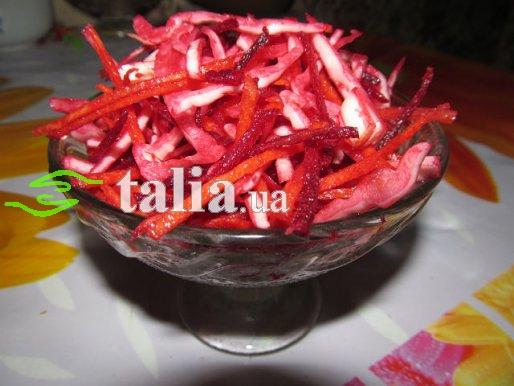 Рецепт. Салат из свеклы и капусты