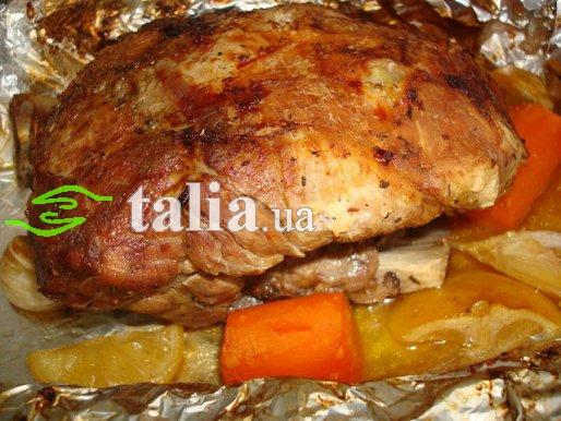 Рецепт. Мясо в фольге запечённое в духовке