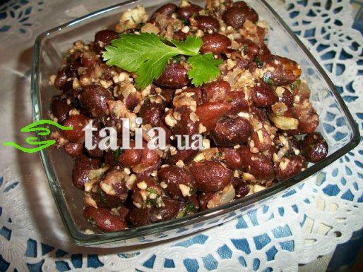 Рецепт. Фасоль с орехами