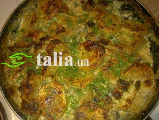 Рецепт. Картофель с грибами запеченный в сливочном соусе