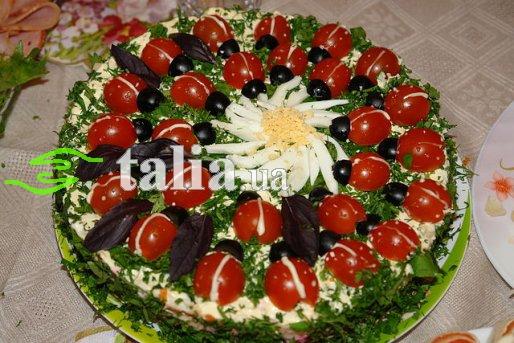 Рецепт. Салат с черносливом и грецкими орехами