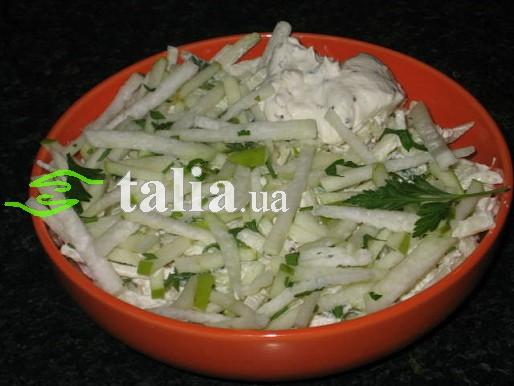 Рецепт. Брюква. Салат из брюквы с яблоком