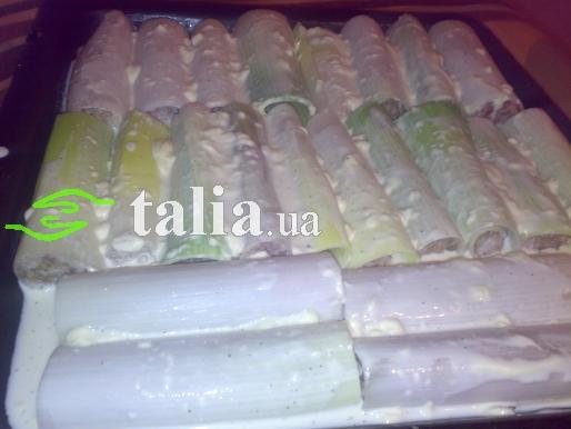 Рецепт. Фаршированный лук-порей запечённый в духовке