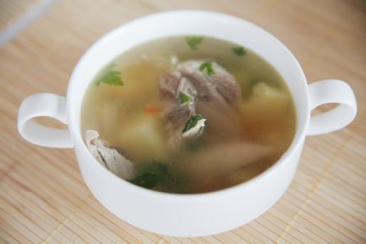 Рецепт. Куриный суп с зеленью (диетический)