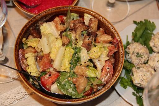 """Рецепт. Салат """"Цезарь"""" с курицей и соусом"""