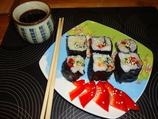 Рецепт. Постные суши с овощами и оливками