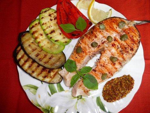 Рецепт. Рыба на гриле без масла с овощами