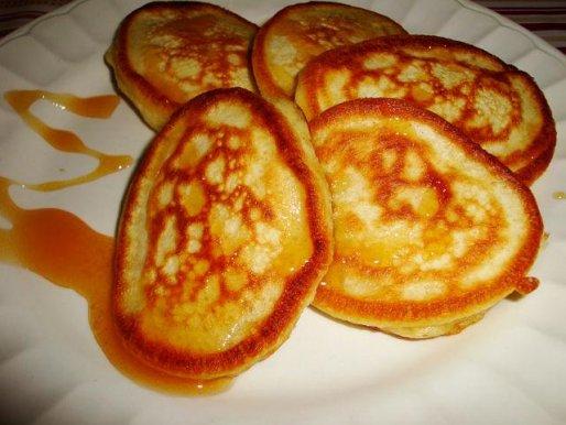 Рецепт. Оладьи на сметане с медом