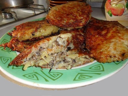 Рецепт. Деруны с грибами и луком (драники)