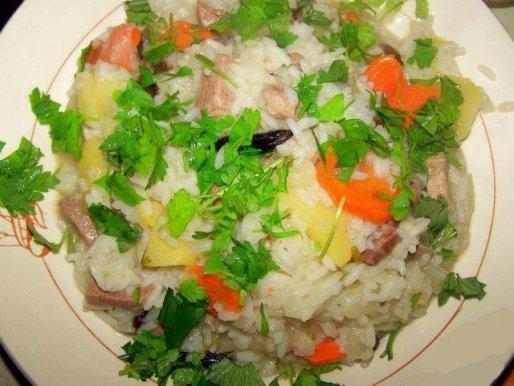 Рецепт. Ризотто с курицей, картофелем и черносливом