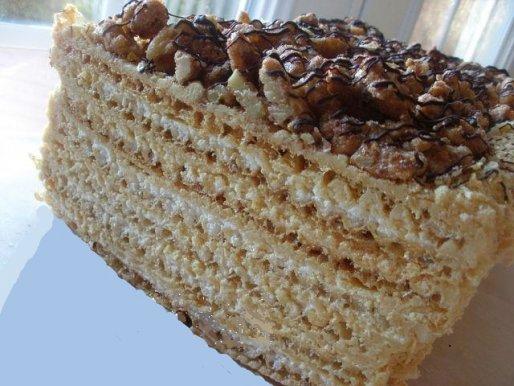 Рецепт. Вафельный торт с грецкими орехами