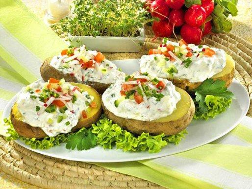 Рецепт. Картошка в мундире с овощной начинкой
