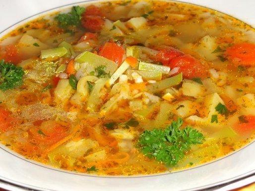 Рецепт. Суп из кабачков на курином бульоне