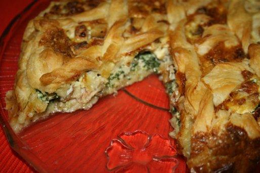 Рецепт. Пирог со шпинатом и красной рыбой