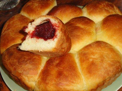 Рецепт. Пирожки с вишней на молоке