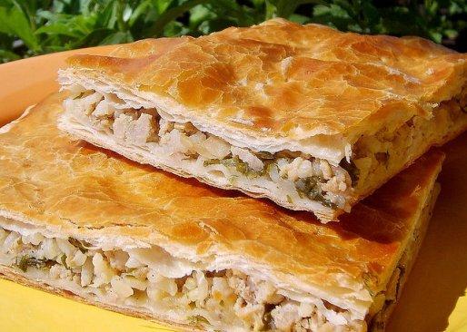 Рецепт. Слоеный пирог с рисом и куриным мясом
