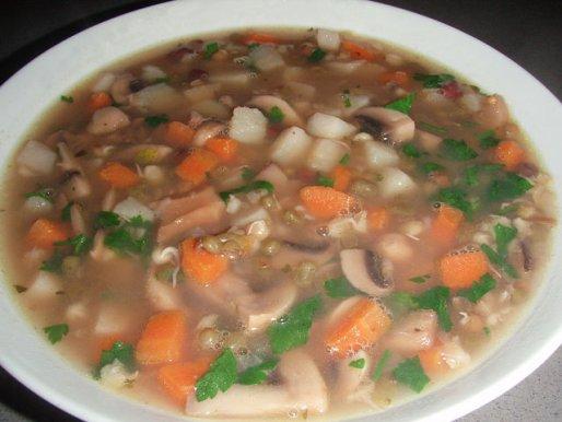 Рецепт. Суп из шампиньонов и сушеных грибов