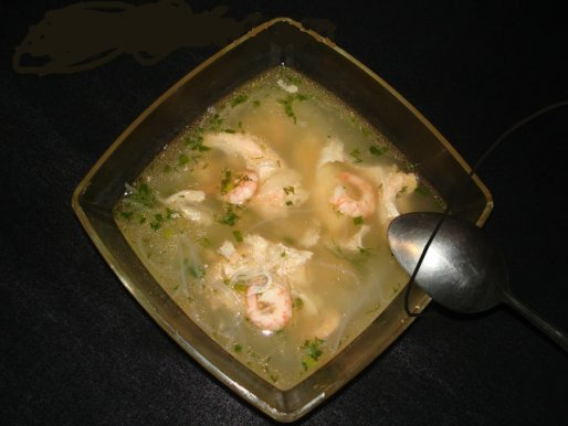 Рецепт. Суп с креветками и рисовой лапшой