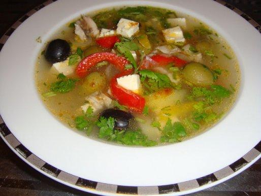 Рецепт. Уха из щуки по-гречески с сыром