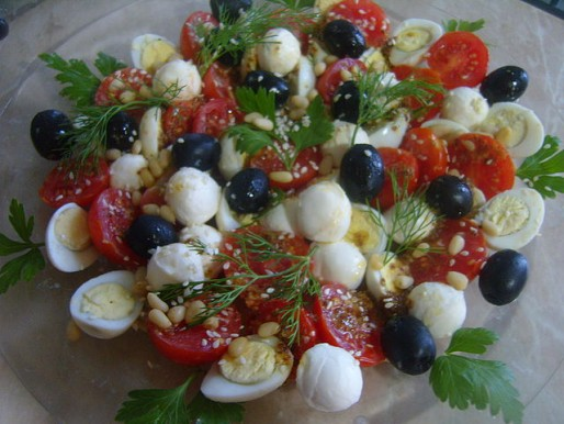 Рецепт. Салат с моцареллой