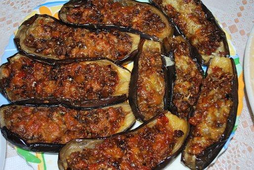 Рецепт. Фаршированные баклажаны с мясом