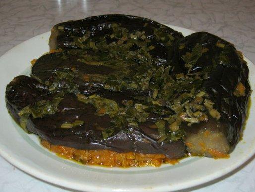Рецепт. Квашеные баклажаны с начинкой из моркови