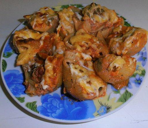 Рецепт. Фаршированные макароны в томатном соусе