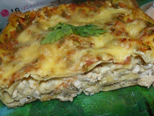 Рецепт. Лазанья с курицей и грибами