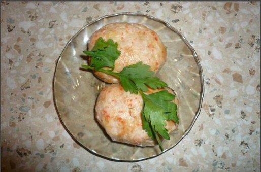 Рецепт. Куриные котлеты в духовке с кукурузной крупой