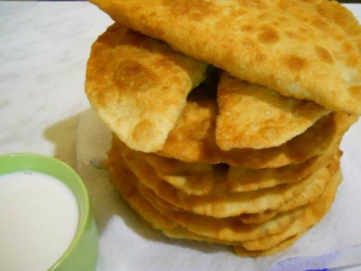 Рецепт. Чебуреки с сыром и зеленью