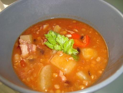 Рецепт. Суп в мультиварке с фасолью и чечевицей