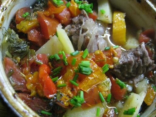 Рецепт. Чанахи в горшочках с мясом
