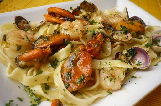 Рецепт. Фетучини с морепродуктами