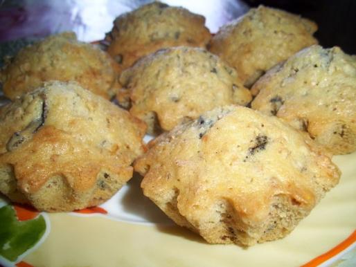 Рецепт. Кексы с изюмом и сахарной пудрой