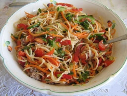 Рецепт. Китайская лапша с фаршем и овощами