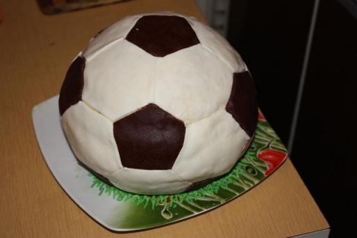 """Рецепт. Торт """"Футбольный мяч"""" с вишней"""
