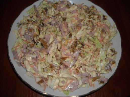 """Рецепт. Салат """"Вкусняшка"""" с яйцами и морковью"""