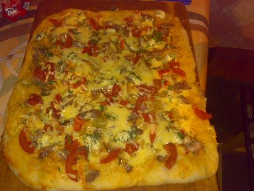 Рецепт. Пицца с консервированными помидорами
