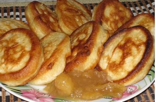 Рецепт. Оладушки на кефире на завтрак